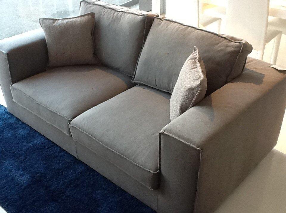 Divano in tessuto grigio divani a prezzi scontati for Prezzi divani angolari tessuto