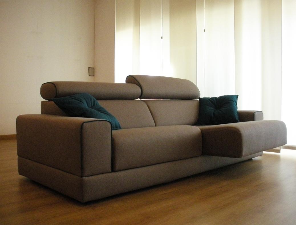 Divano in tessuto modello james scontato del 40 divani for Divani usati a milano