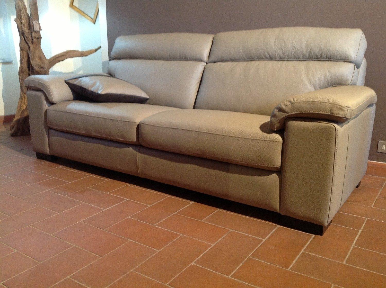 Divani pelle prezzi idee per il design della casa for Prezzi per rivestire un divano