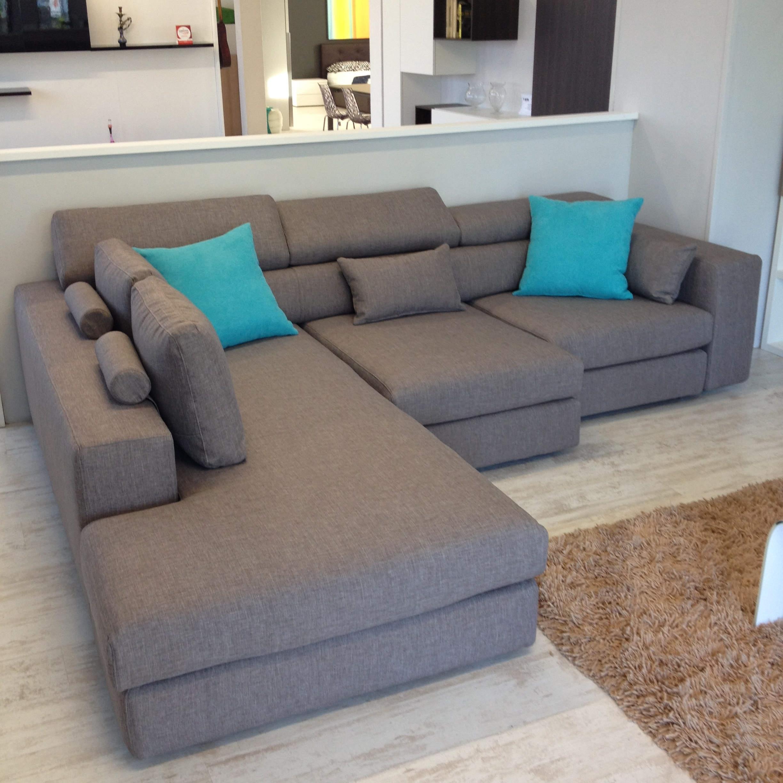 Divano lecomfort 3 posti con chaise longue tessuto 23 for Divano 4 posti