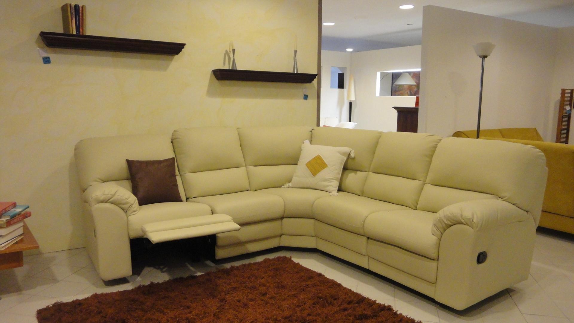 Divano lecomfort oscar divani relax ecopelle divano 4 for Divano 4 posti