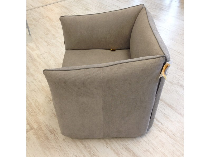 Poltroncina in tessuto kubik le comfort 30 for Le comfort divani
