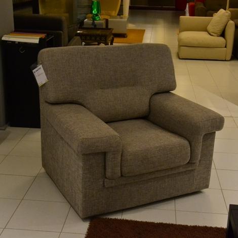 Divano lecomfort poltrona sottocosto tessuto divani a for Divano poltrona