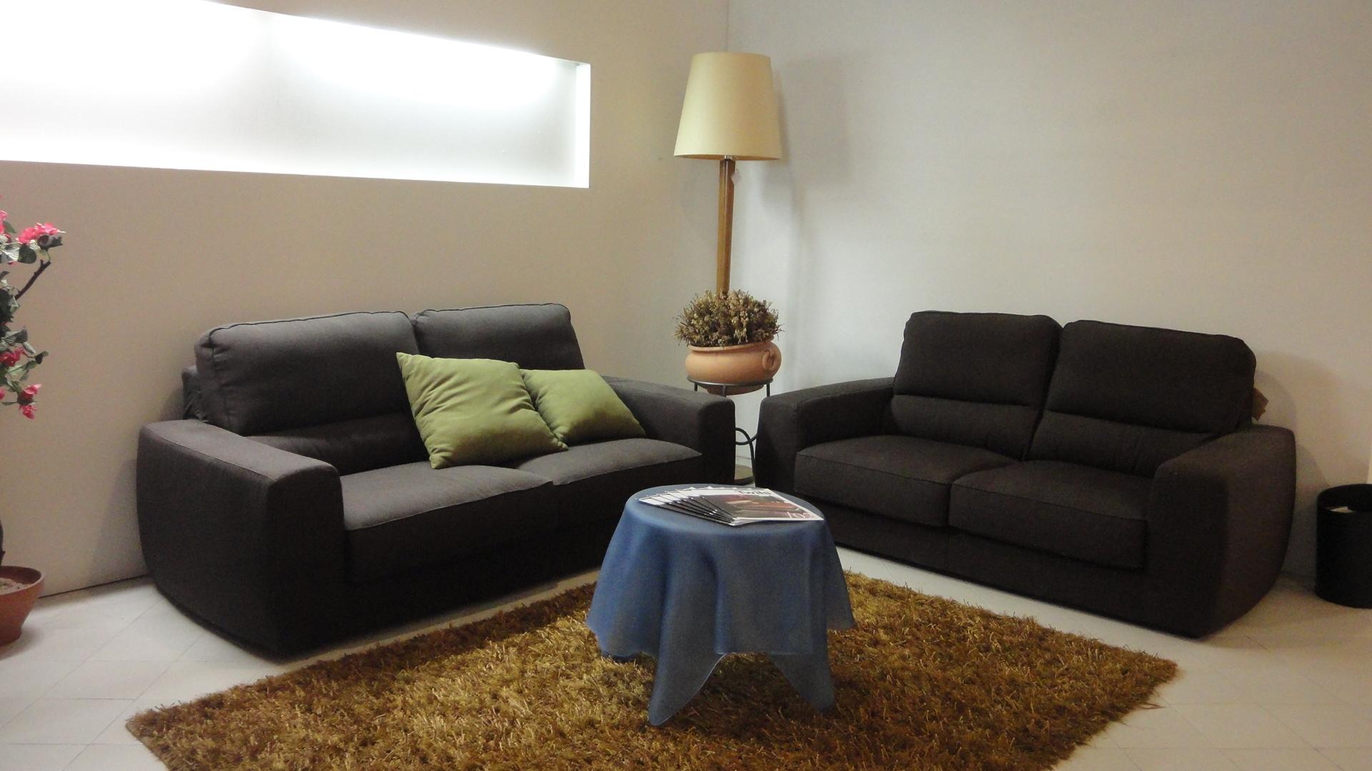 Divano lecomfort tommy divani lineari tessuto divano 4 for Divano 4 posti