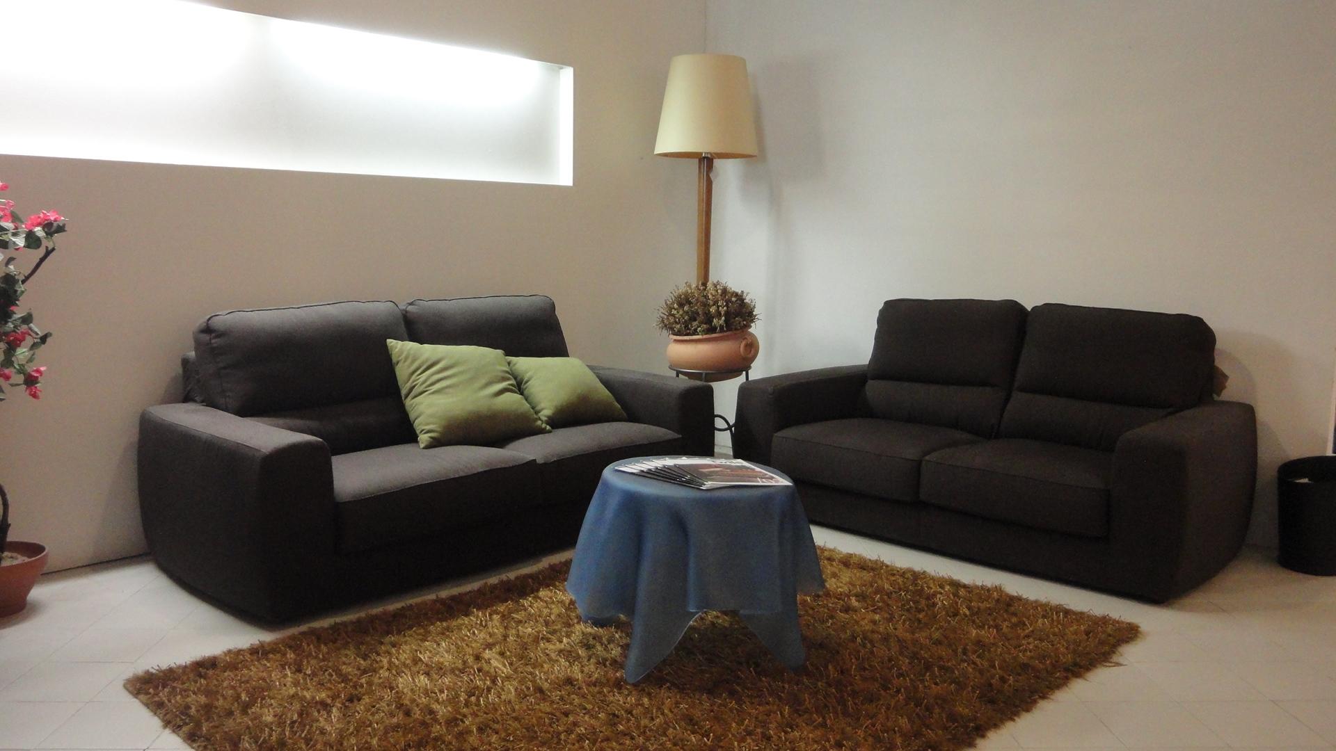 Divano lecomfort tommy divani lineari tessuto divani a for Mopar arredamenti