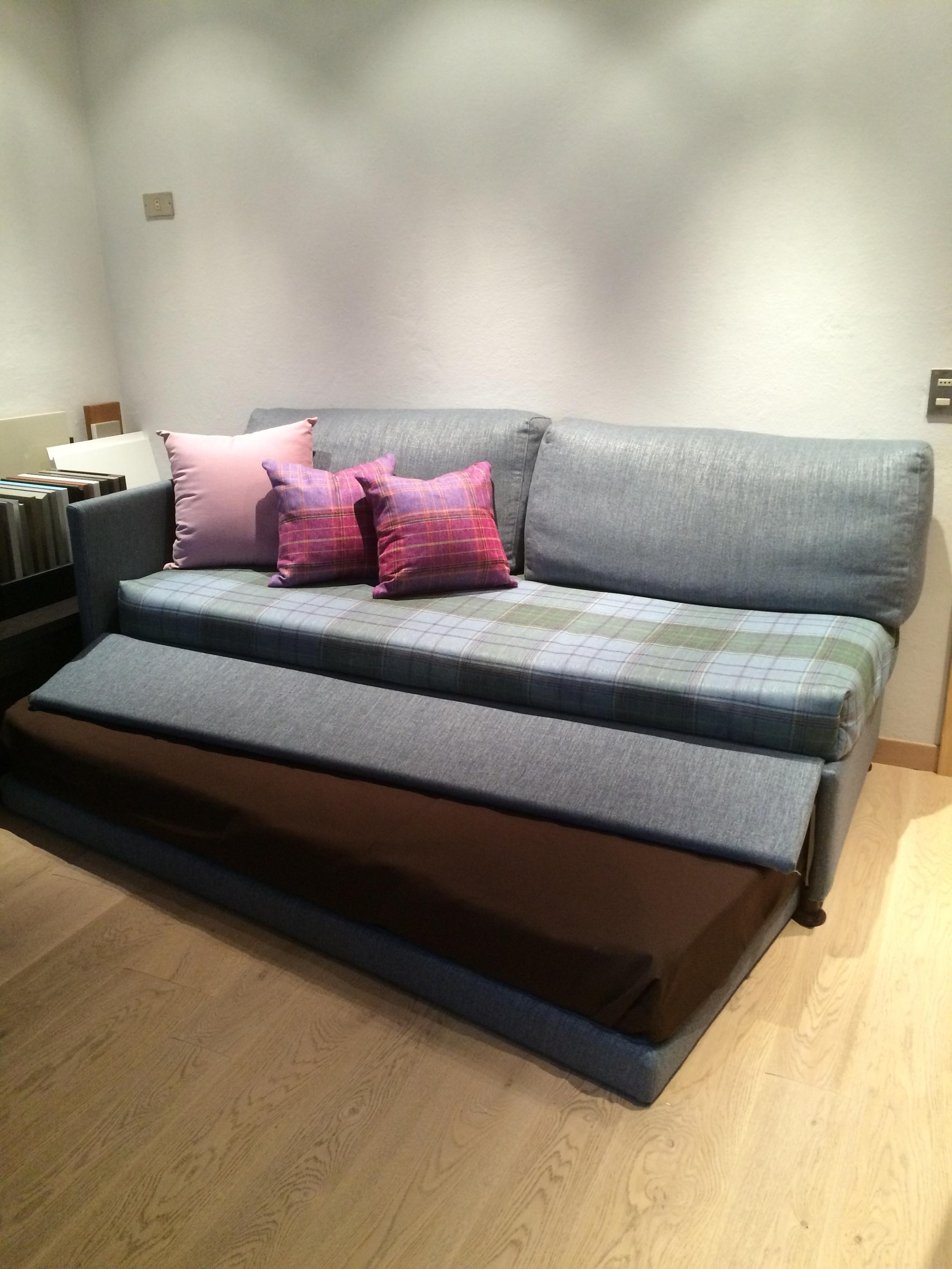 Divano letto a doppio letto singolo trasformabile in for Prezzi per rivestire un divano