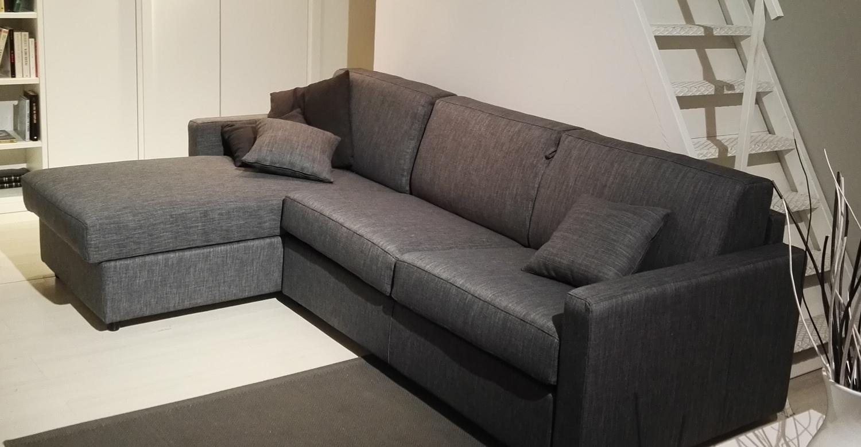 Divano letto con penisola prezzo promo divani a prezzi for Divano letto con penisola