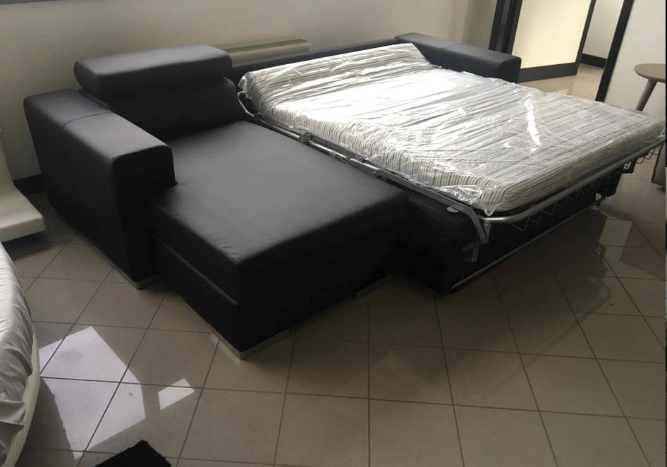 Divano letto con poggiatesta e penisola divani a prezzi for Divano letto con penisola