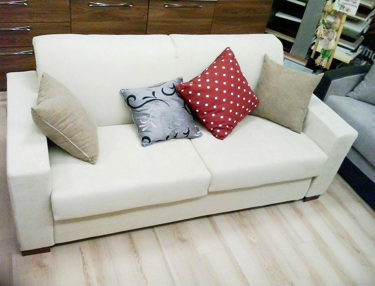 Divano letto ghibli salotti 32 divani a prezzi scontati - Divano letto elettrico ...