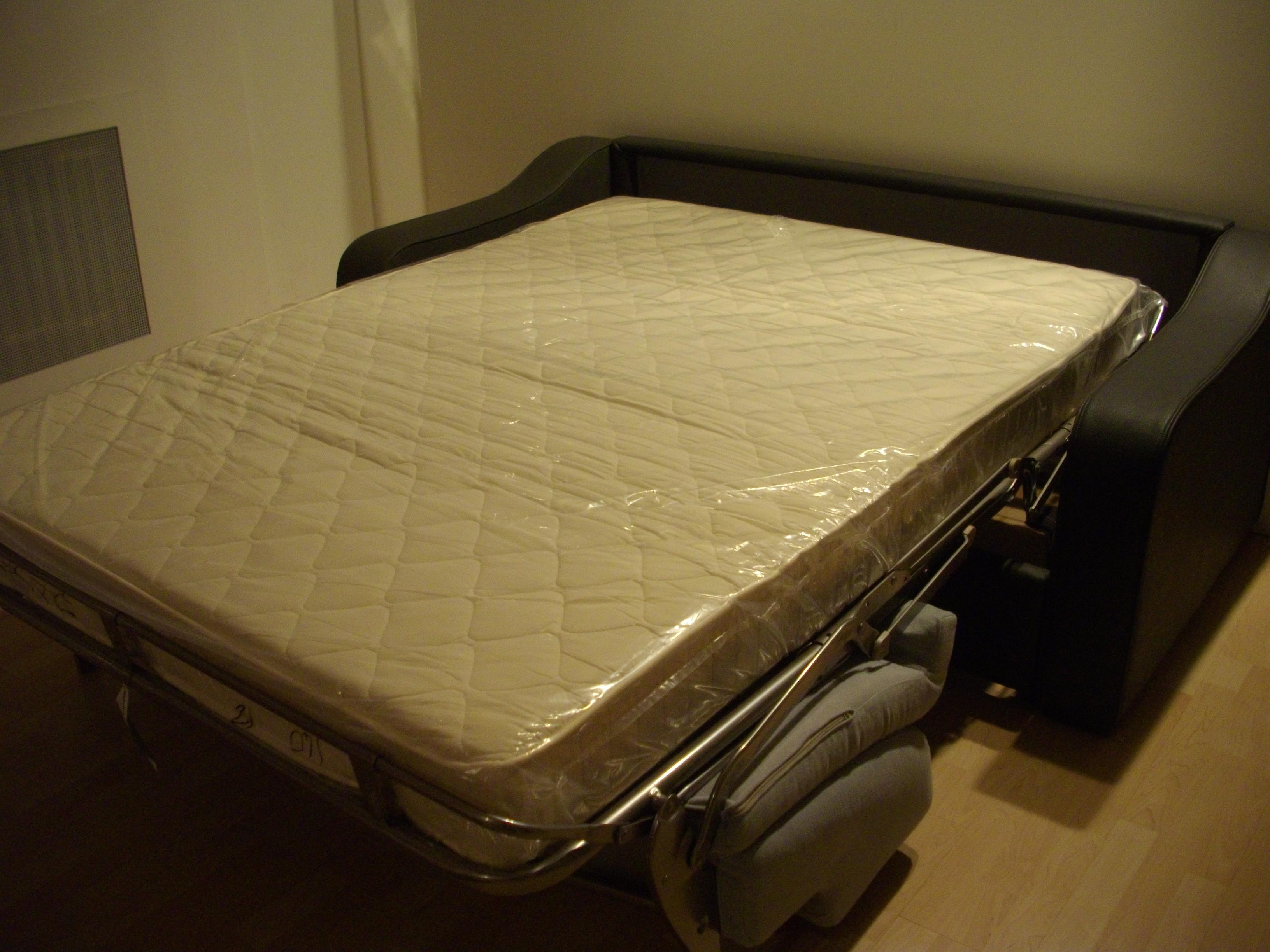 Divano letto in occasione divani a prezzi scontati - Divano letto occasione ...