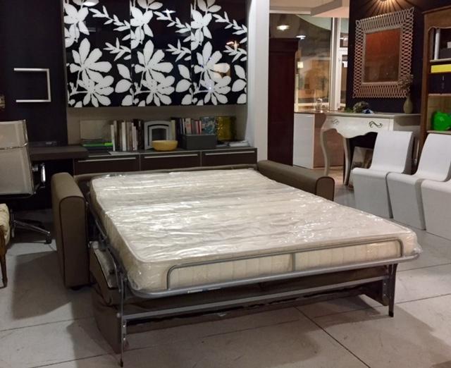Divano gelsomino divani letto pelle divano 3 posti for Divano letto 3 posti