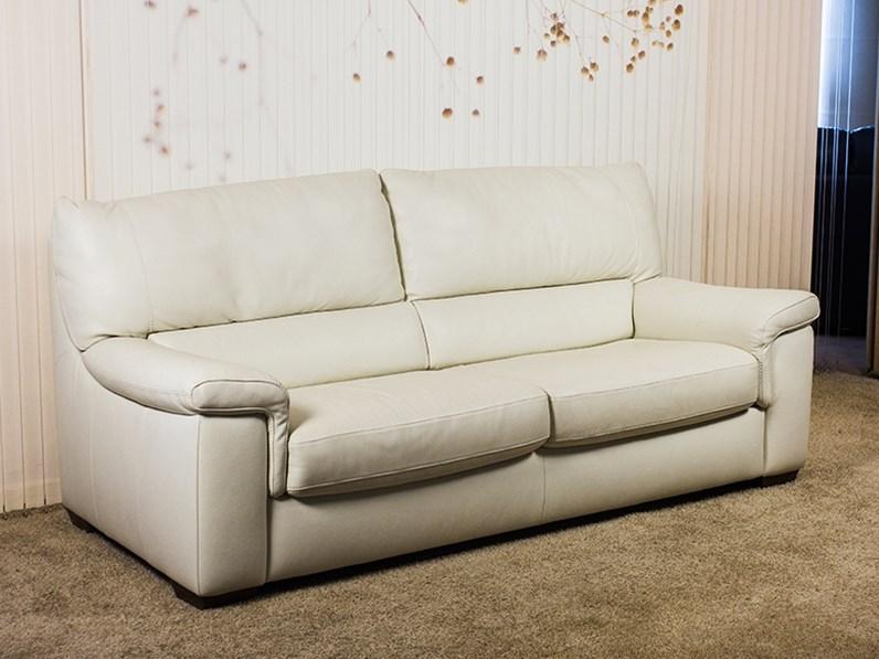 Divano letto in pelle mister divani divani by natuzzi for Divano letto natuzzi