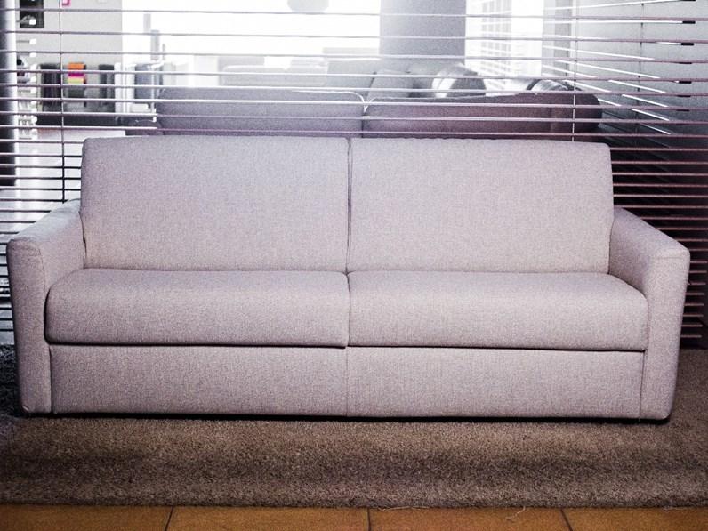 Divano letto in tessuto bacio divani divani by natuzzi - Divano letto natuzzi ...