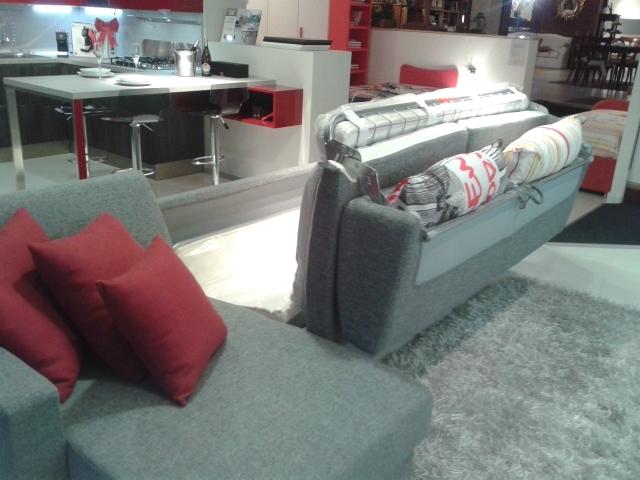 Divano letto matrimoniale divani a prezzi scontati for Lunghezza divano letto