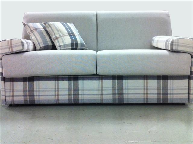 Scopata amatoriale divano roma - Scopata sul divano ...