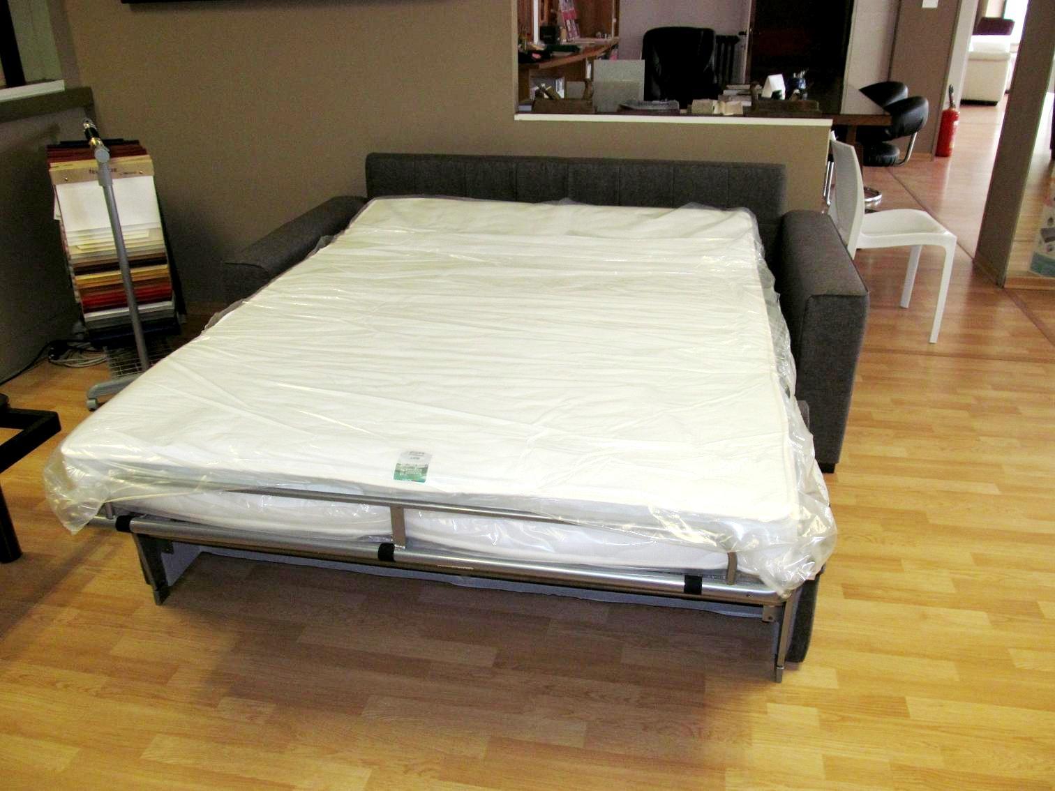Divani letto in tessuto scontato del 33 divani a prezzi scontati - Letto oggioni prezzo ...