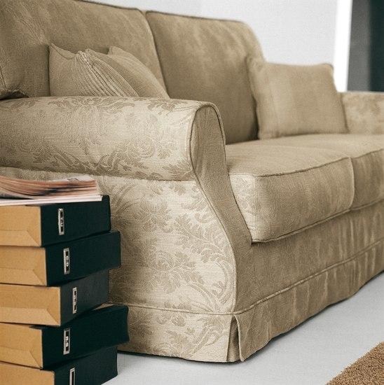 Divano letto scontato divani a prezzi scontati - Divano tessuto damascato ...
