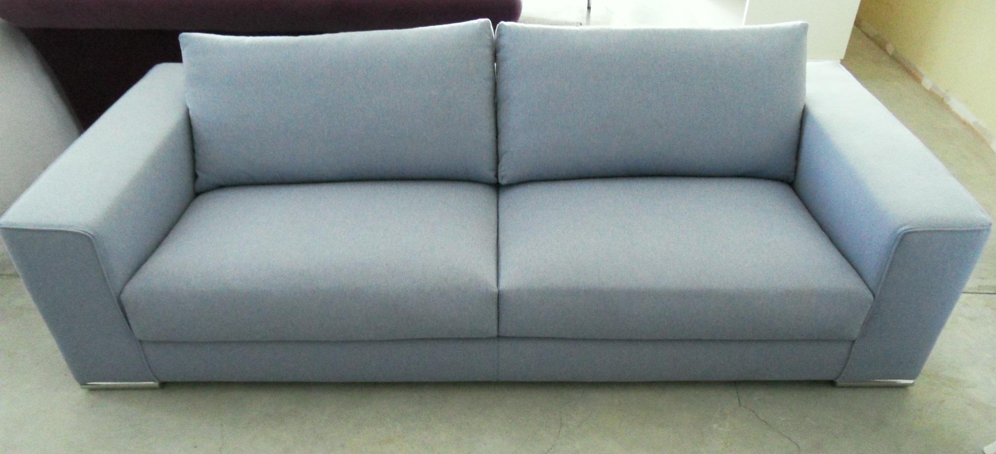 Divano in tessuto lilla scontato del 50 divani a prezzi - Divano seduta larga ...