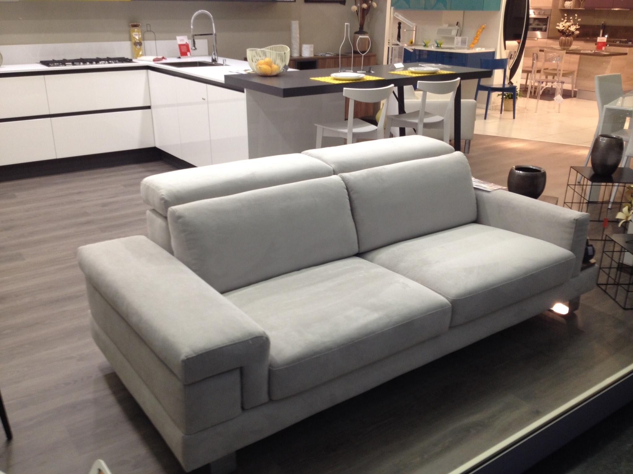 Divano manhattan divani a prezzi scontati - Imbottitura divani poliuretano ...