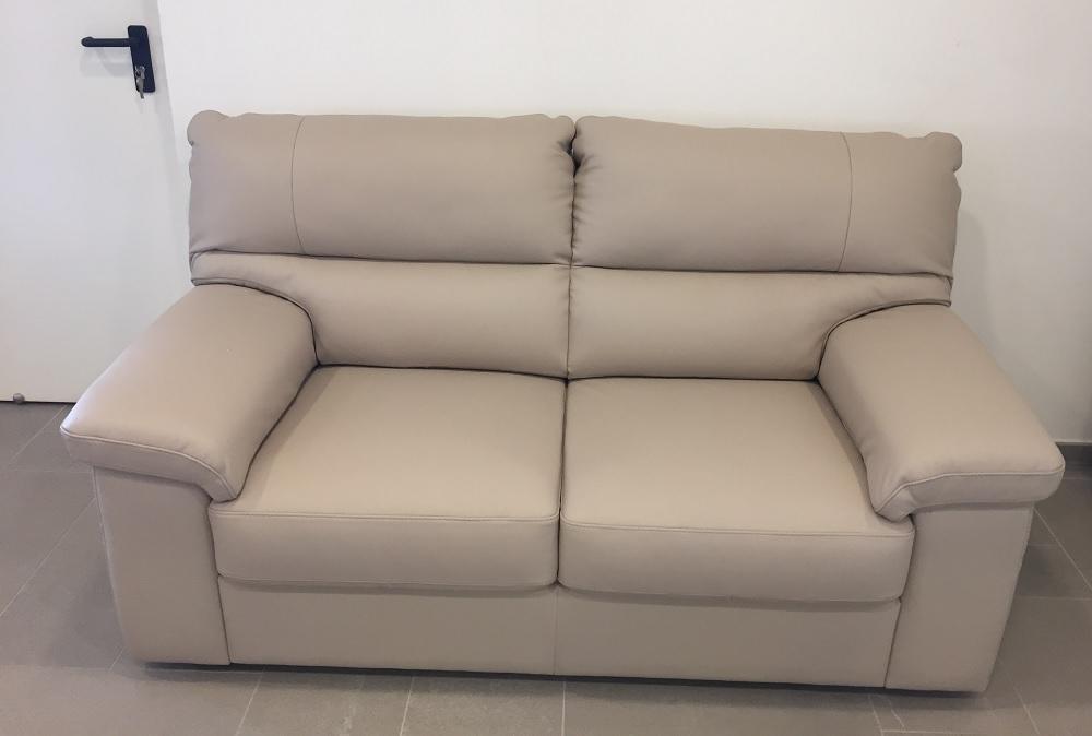 Divano pelle tortora idee per il design della casa - Copridivano per divano in pelle ...
