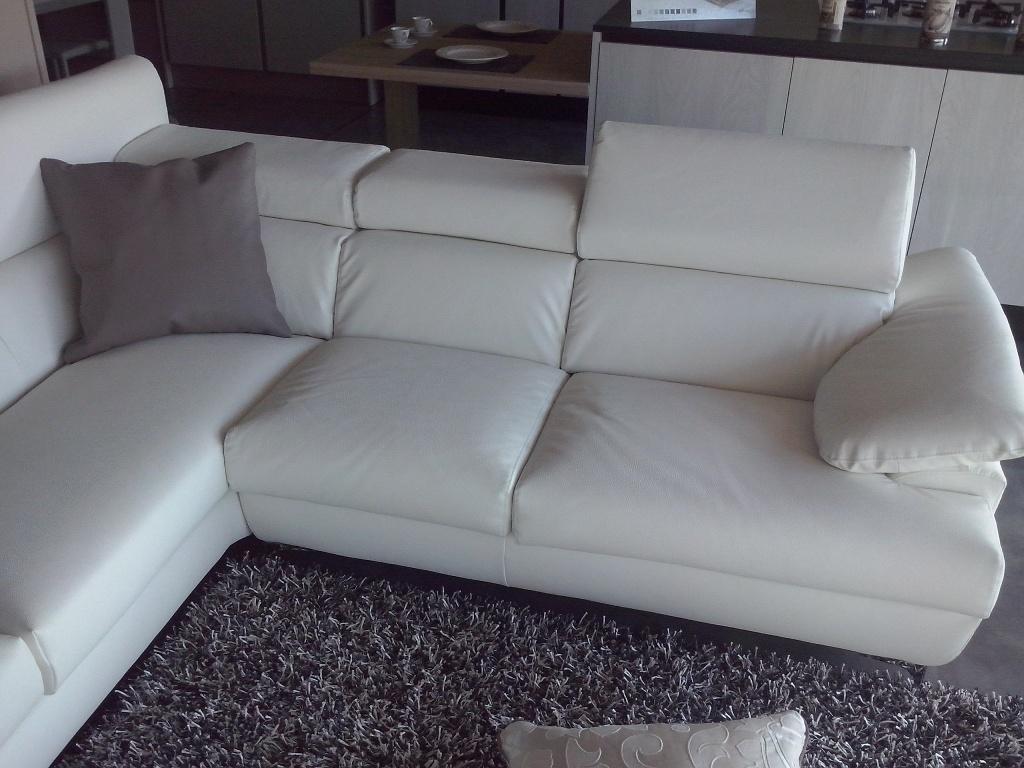 Divani in pelle bianca divani in pelle artigianali 2 e 3 for Divani e divani in pelle prezzi