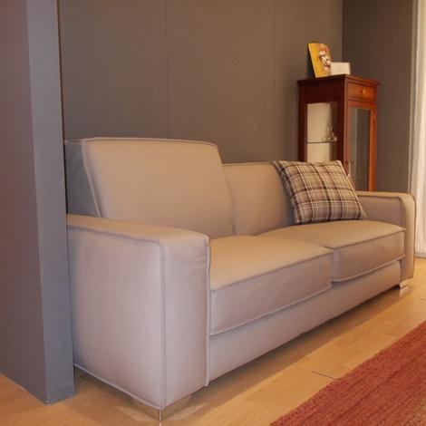 divano moderno in pelle - Divani a prezzi scontati