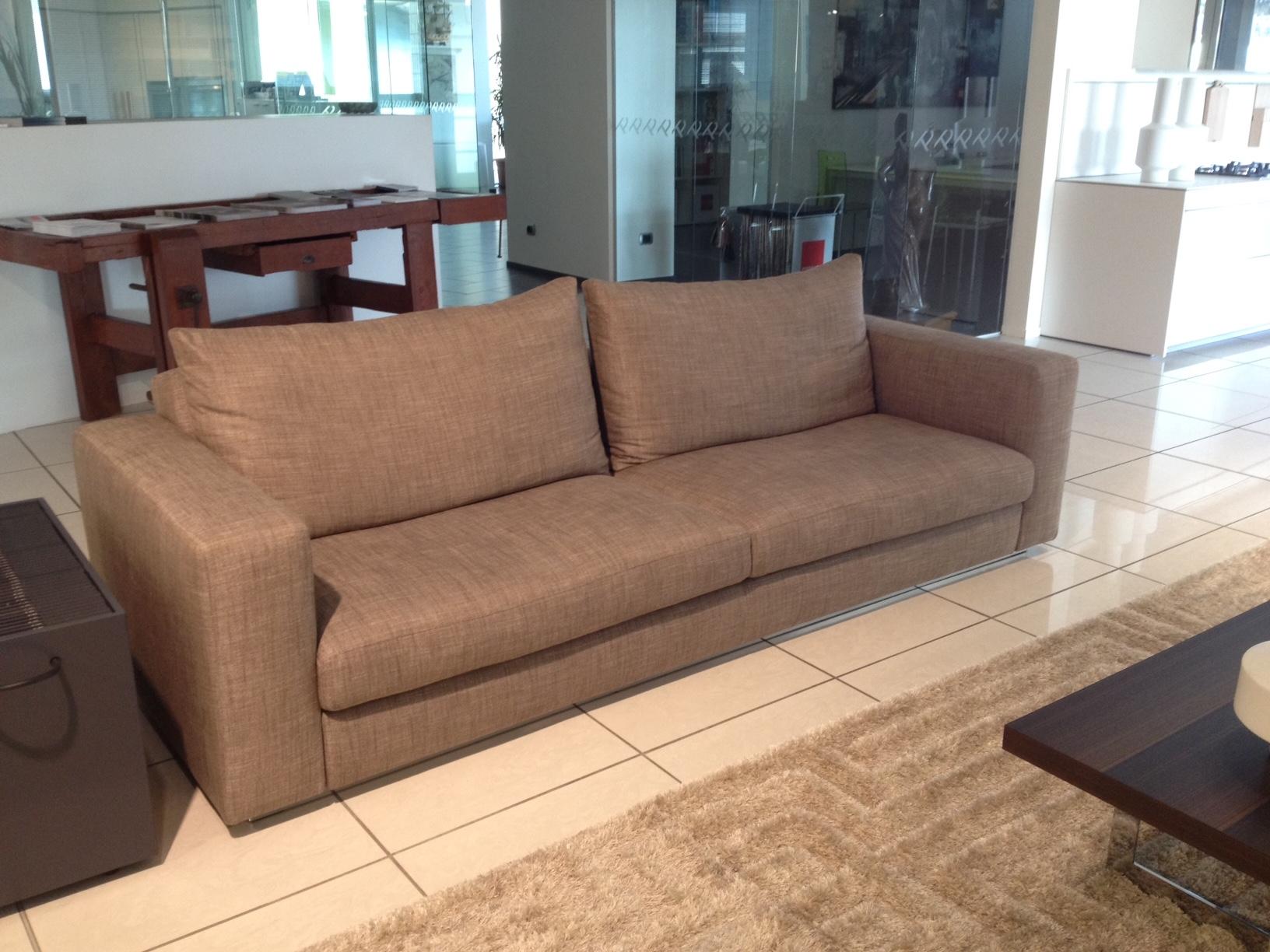 Divani Molteni Prezzi : Divano molteni c reversi divani a prezzi scontati
