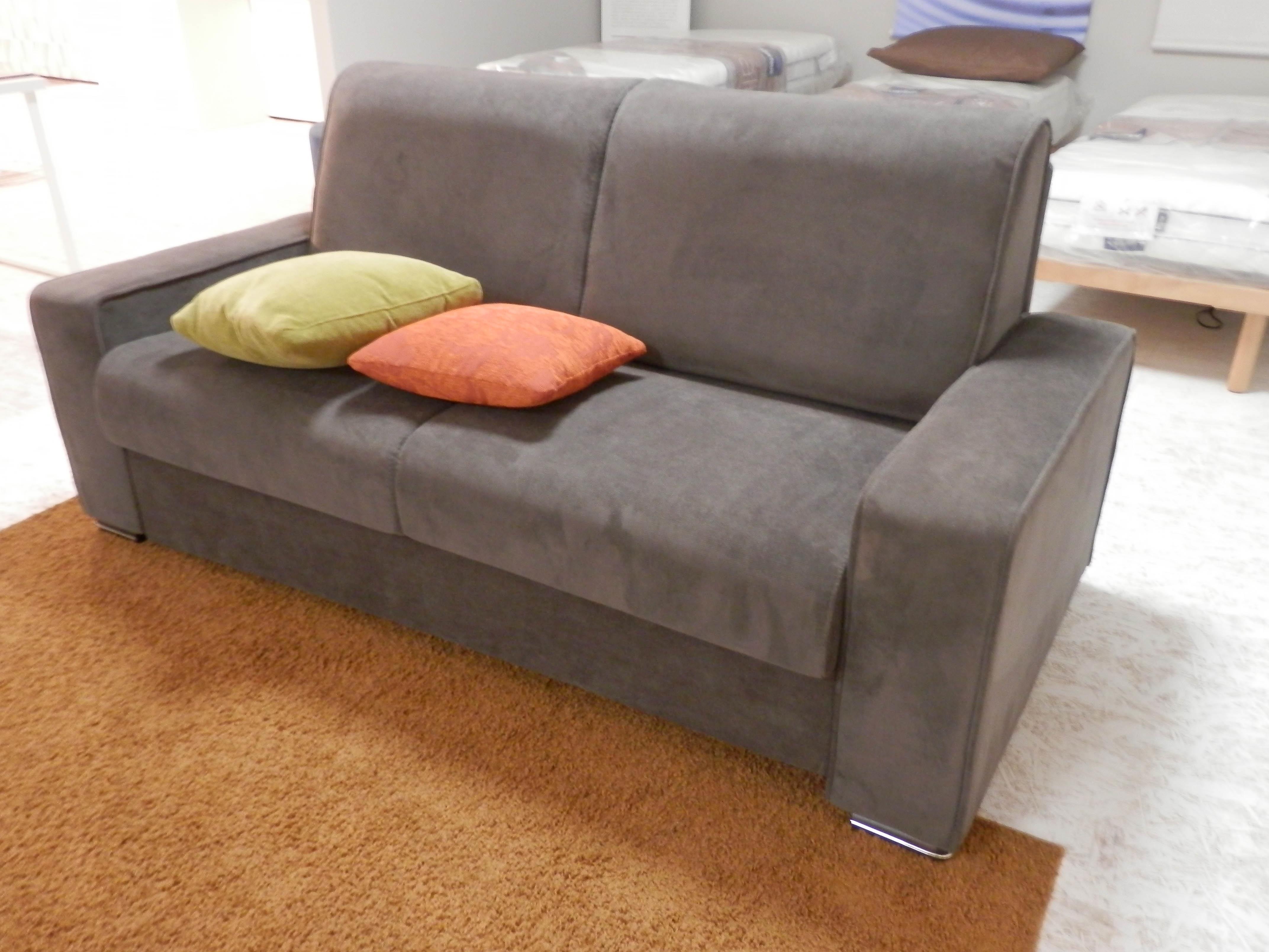 Divano letto papeete il benessere sotto costo divani a for Divano letto costo