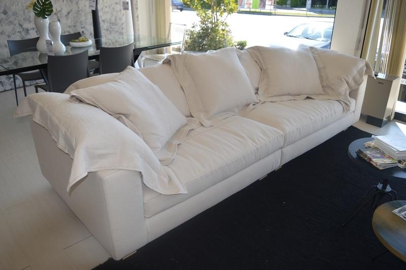 Divano moroso nebula nine sofa diesel by moroso divani a for Poltrone moroso prezzi