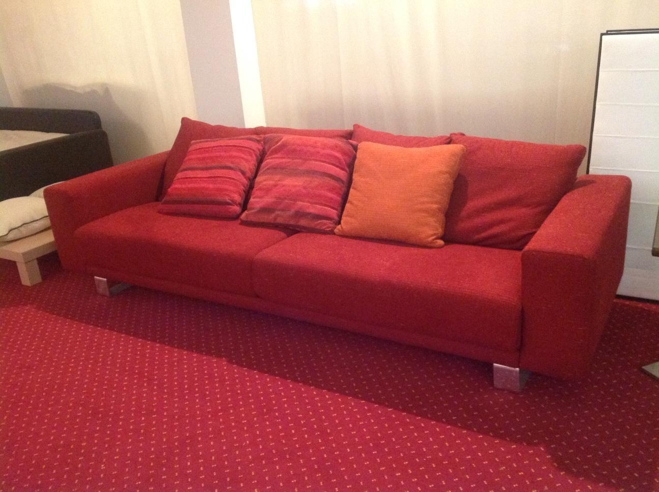 Divani componibili con cuscini divano modulare con for Divano letto componibile
