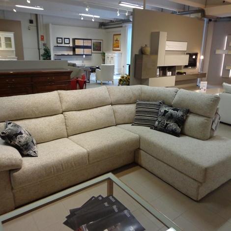 Divano nettuno in offerta divani a prezzi scontati - Costo rivestimento divano ...