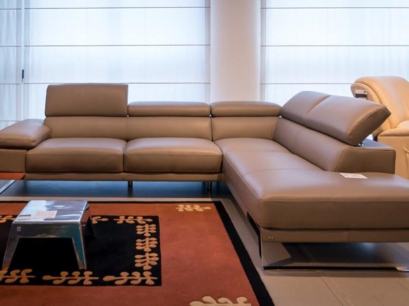 Divano nicoletti home domus scontato del 46 divani a for Mondini arredamenti