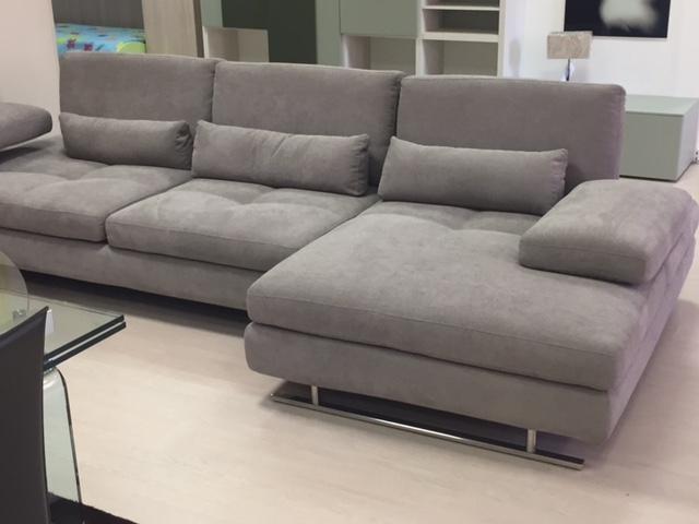 Divano nicoletti home serena divani con chaise longue for Divani moderni con chaise longue