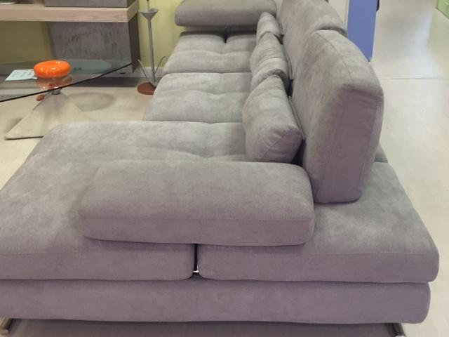 Divano nicoletti home serena divani con chaise longue for Divano 2 metri