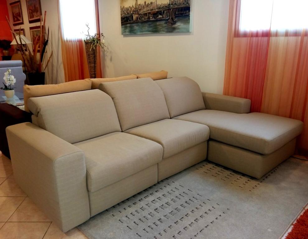 Divano non movimento relax a motore e chaise longue - Divano relax prezzi ...