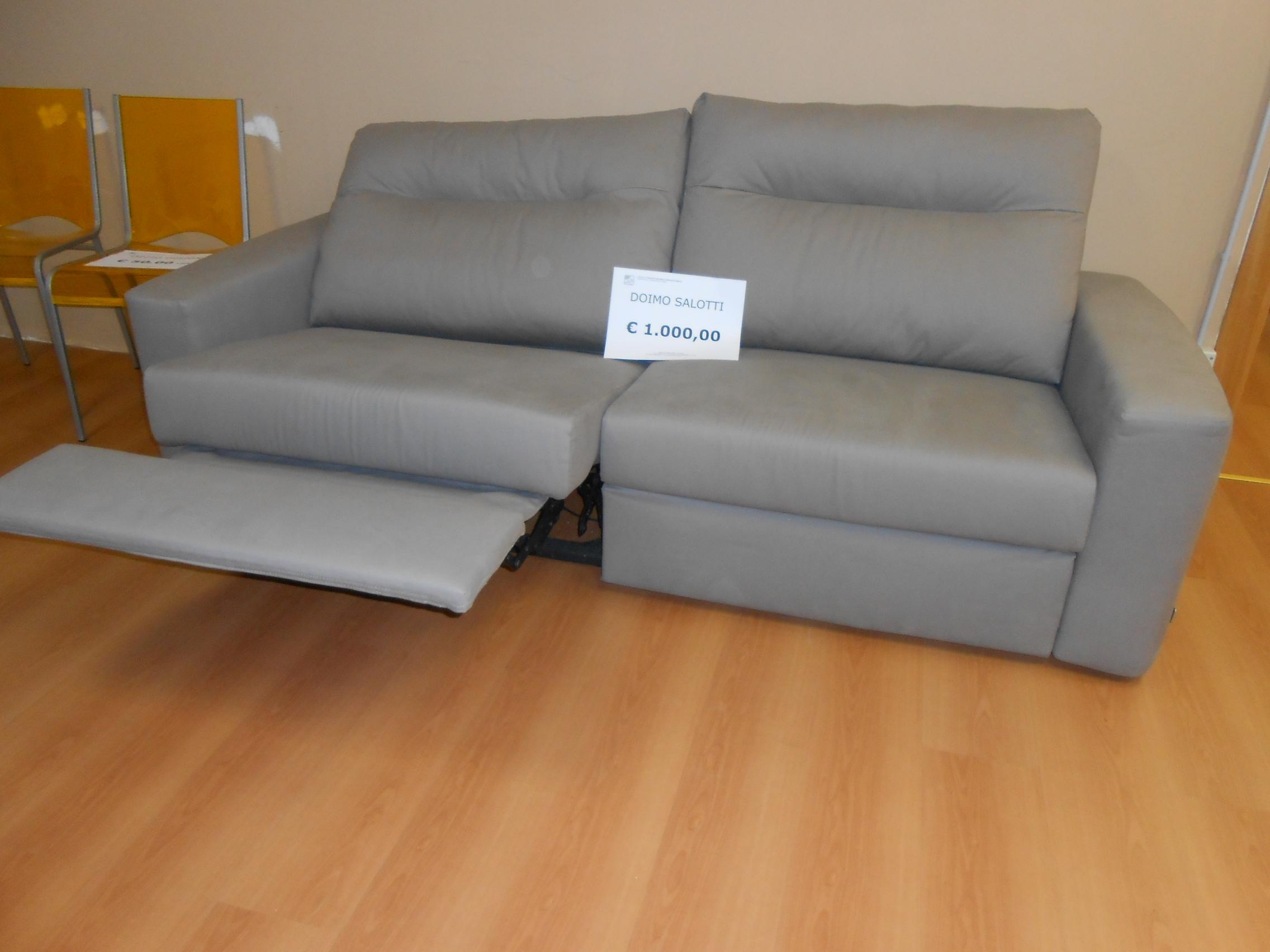 Divano doimo salotti palace tessuto divani a prezzi scontati - Rivestimento divano costo ...