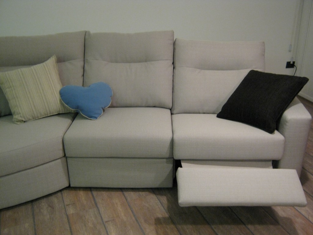 Prezzi divani doimo 60 images rivestimento divano for Prezzi per rivestire un divano