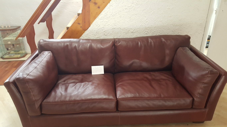 Divano pelle cava manhattan scontato del 48 divani a - Pelle del divano rovinata ...