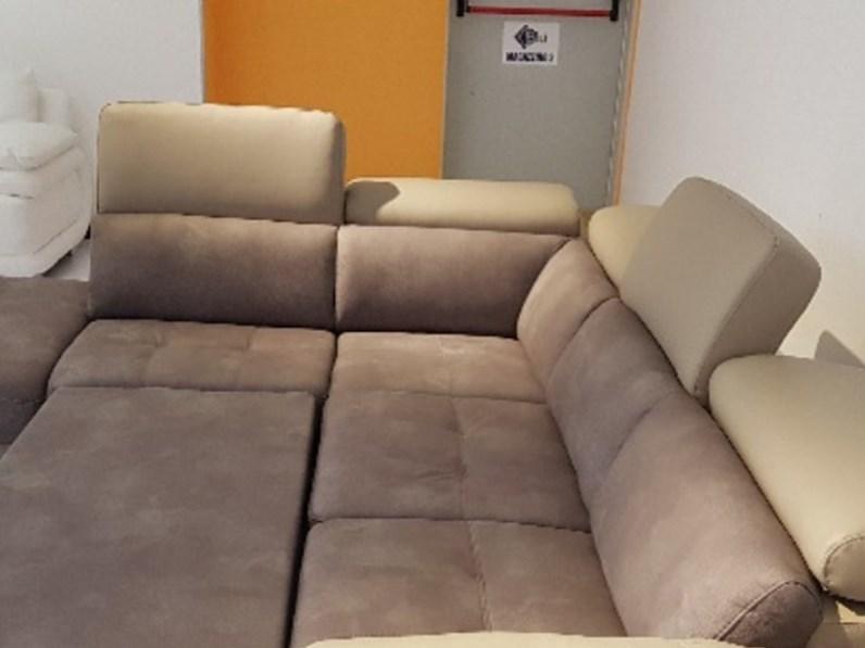 Divano pelle e microfibra con letto e pouf contenitore - Microfibra divano ...