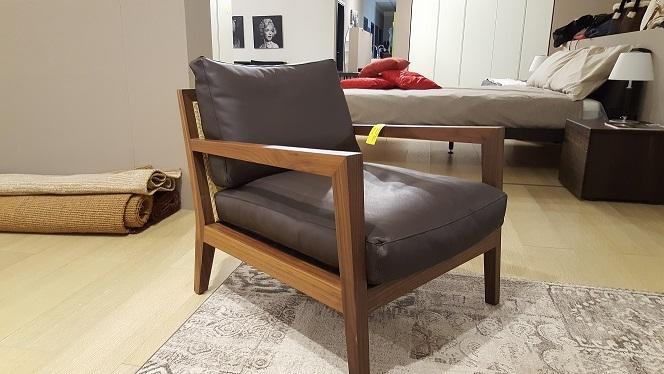 Poltrona poliform camilla poltrone divani a prezzi scontati for Poltrona poliform prezzo