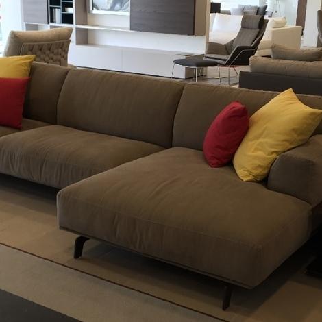 Divano poliform divano poliform modello tribeca scontato for Divani poliform outlet