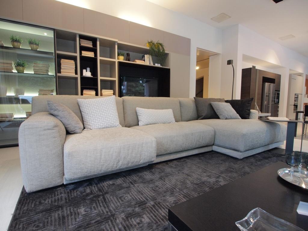 Divano poliform paris seoul scontato del 40 divani a for Outlet del divano
