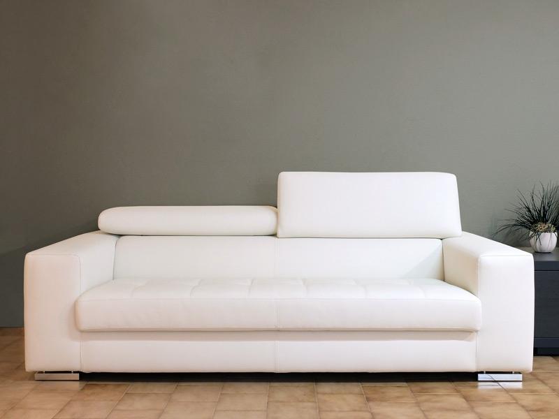 divano ecopelle bianco - 28 images - divano tre posti con pouf ...