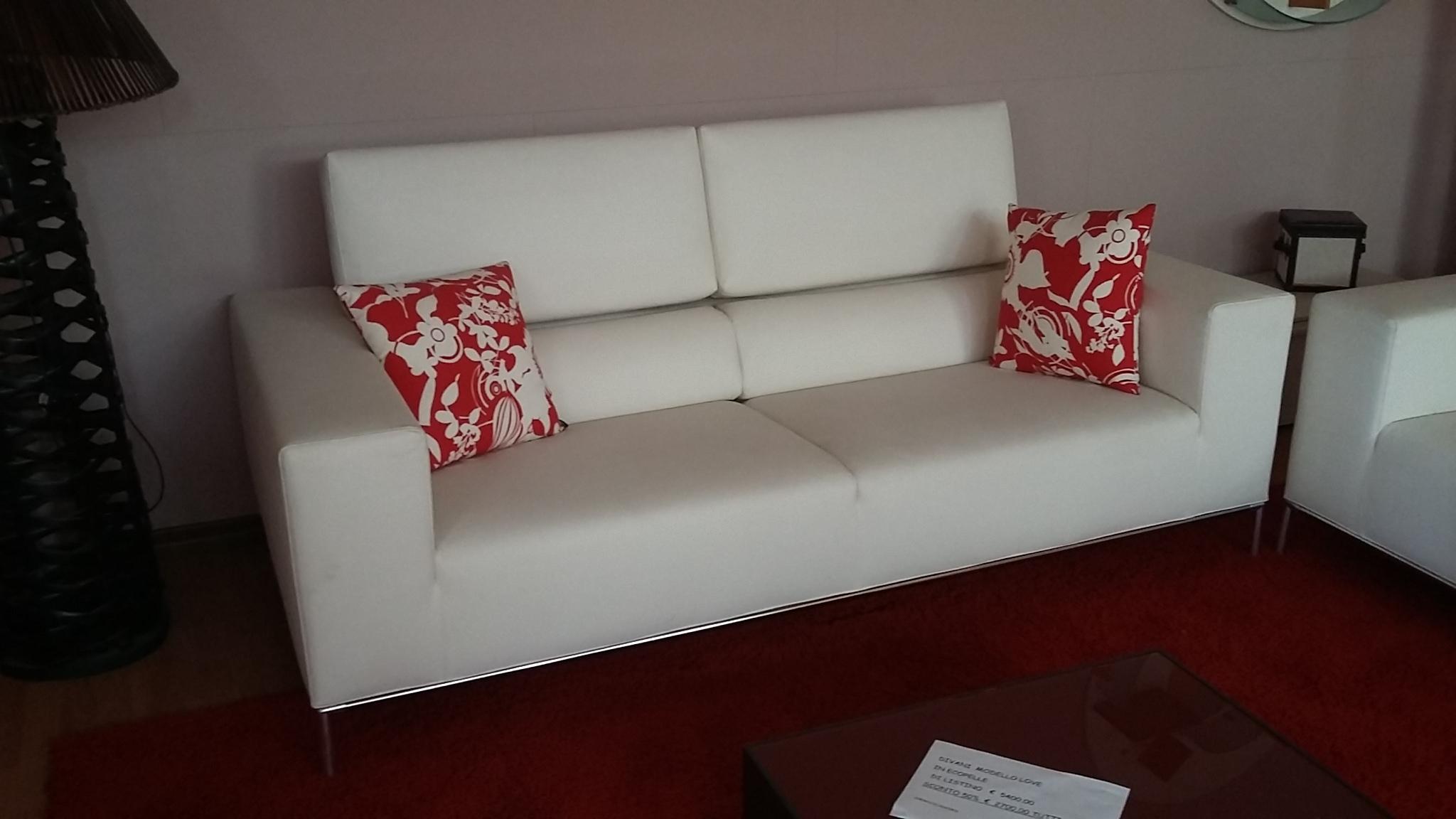 Primafila divani catalogo divano alfred colombini con sconto luca meda for molteni sofa type - Mobilandia outlet torino ...