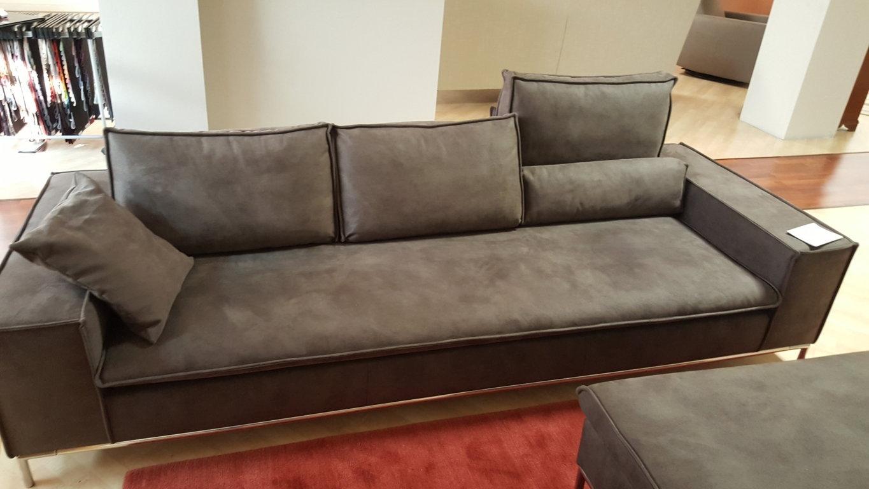Pouf divano pouf divano stunning divani con pouf photos - Pouf per divano ...