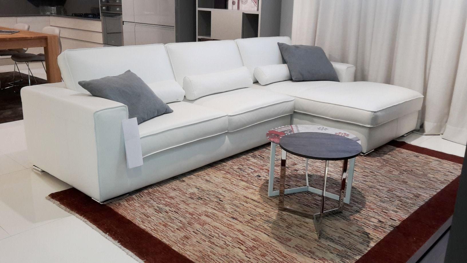 divano rin con penisola in pelle bianca divani a prezzi
