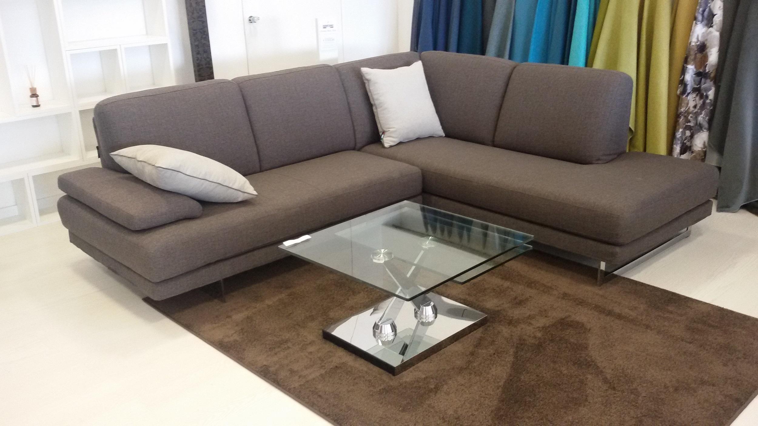 Divano angolare in tessuto divani a prezzi scontati for Divani componibili prezzi