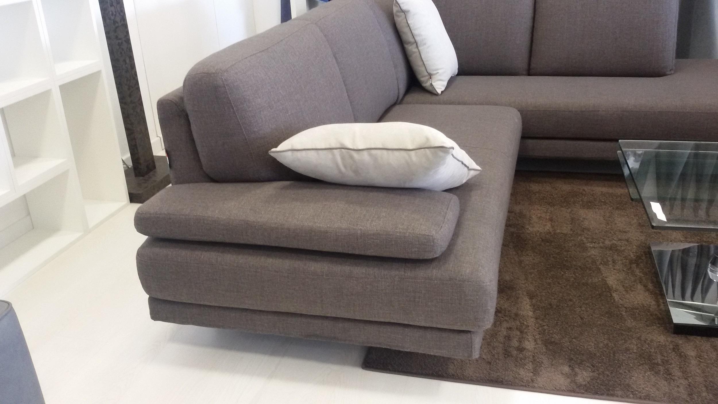 Divano angolare in tessuto divani a prezzi scontati - Copridivano angolare 5 posti ...