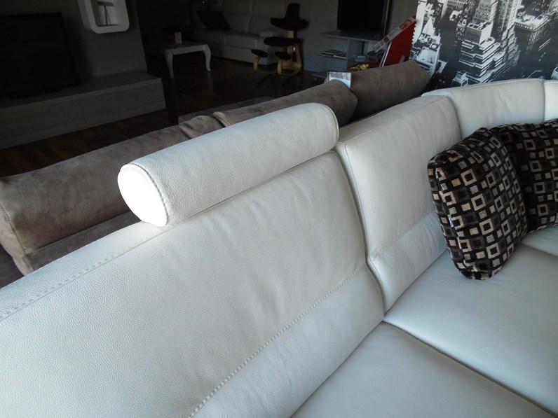 Divano rosini calvi pelle scontato del 47 - Pelle del divano rovinata ...