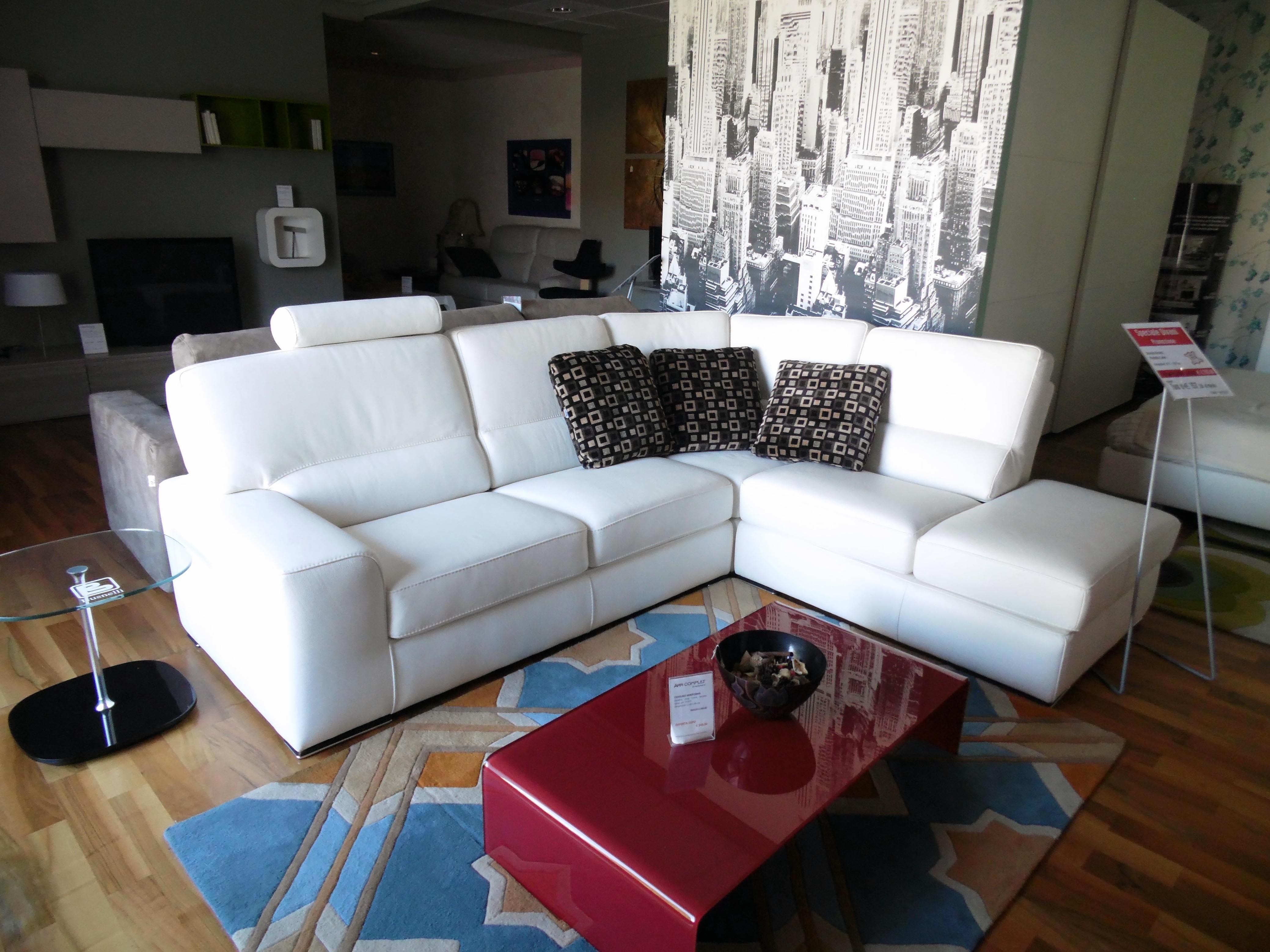 Divano rosini calvi pelle scontato del 47 divani a - Pelle del divano rovinata ...